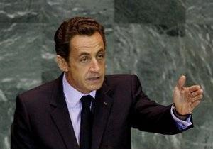 Франция закрыла посольство в Сирии