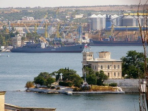 Командующий ЧФ РФ пообещал властям Севастополя решить проблему долгов флота