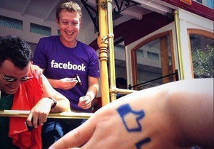 Марк Цукерберг лично возглавил делегацию Facebook на гей-параде в Сан-Франциско
