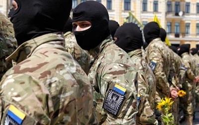 Бойцы «Азова» разогнали темнокожих футболистов— Скандал вМариуполе