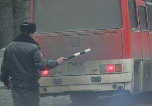 В центре Ростова-на-Дону в здание врезался автобус без водителя