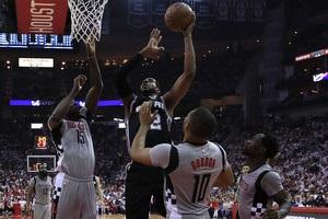НБА: Клівленд пройшов Торонто, Х юстон зрівнявся в серії із Сан-Антоніо