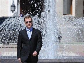 Ким Чен Ир пожелал Медведеву здоровья и успехов