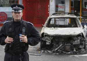 В Лондоне арестовали более 100 участников ночных беспорядков