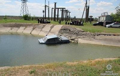У Запорізькій області знайшли потонуле авто з тілами всередині