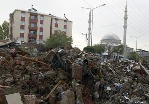 Число жертв землетрясения в Турции превысило 470 человек