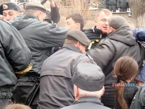Во Владивостоке разогнали митинг автомобилистов