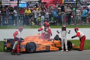 Алонсо не доехал до финиша Инди-500