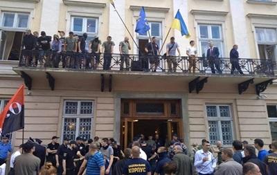 Картинки по запросу вчерашний инцидент во Львове,