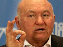 МК: Лужков прорвал оборону Севастополя