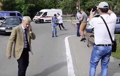 В Киеве активист Шабунин устроил драку под военкоматом