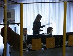 Российские биржи рухнули в первые 10 минут торгов