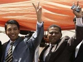 Оппозиция Мадагаскара объявила о полном свержении власти