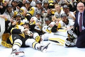 Питсбург второй раз подряд выиграл Кубок Стэнли