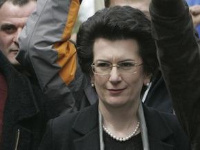 Грузинские оппозиционеры держали в руках флагштоки, а не дубинки - Бурджанадзе