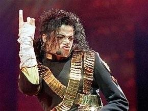 Гроб с телом Майкла Джексона перевезли в склеп
