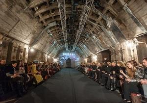 В Киеве на недостроенной станции метро прошел модный показ