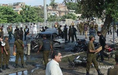 В Пакистане при теракте на рынке погибли 25 человек