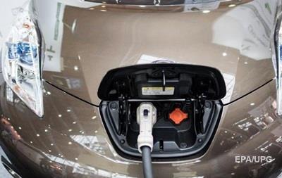 Великобританія до 2040 року перейде на електромобілі