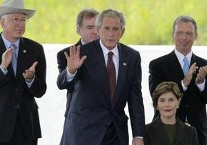 Бывшие президенты США почтили память жертв терактов 11 сентября