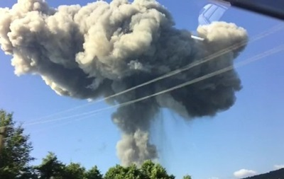 На складе в Абхазии после взрывов найдены тела