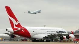Qantas возобновит полеты: бастовать работникам запретили