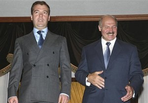 Медведев сообщил обратившемуся к нему бизнесмену, что скоро РФ посетит Лукашенко