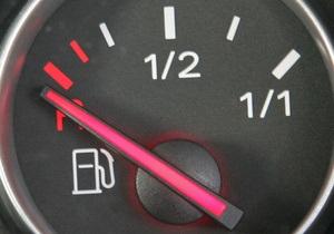 В Беларуси вводят новые ограничения на продажу бензина