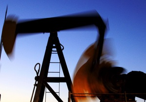 Цены на нефть в США незначительно снижаются