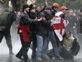 Грузинская оппозиция, готовящая акции протеста, требует показать их в прямом эфире