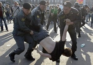 HRW: 2012 год стал худшим для прав человека в новейшей истории России