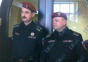 Охрана Черновецкого не пропустила журналистов и депутатов в его кабинет