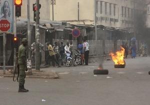 Мятежники в Мали перекрыли границы и закрыли международный аэропорт