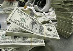 Долларов в обменниках Беларуси не будет минимум до июля - Лукашенко