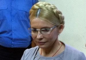 Батьківщина заявила, что собрала более миллиона подписей за освобождение Тимошенко