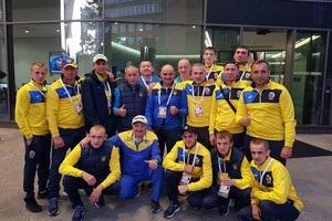 Украинские боксеры успешно добрались в Германию на чемпионат мира