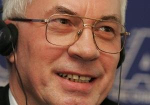 Азаров: Гривна будет стабильной
