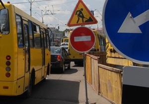 В Мариуполе в маршрутке из-за жары взорвалось колесо