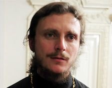 Священник РПЦ: Pussy Riot должны выйти на свободу