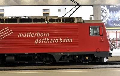 В Швейцарии столкнулись два поезда: почти 30 пострадавших