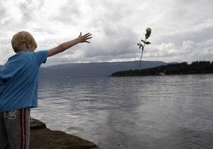 Сегодня Норвегия вспоминает жертв теракта в Осло и на острове Утойя