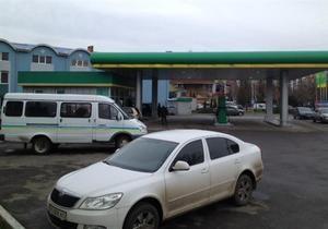В Ужгороде неизвестный совершил вооруженное нападение на АЗС и унес 30 тысяч гривен
