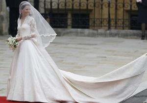 Автора свадебного платья Кейт Мидлтон признали лучшим дизайнером года