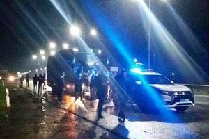 Фанаты Карпат по дороге во Львов остановили клубный автобус