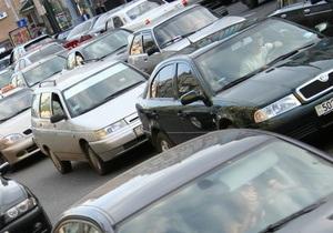 В Киеве на стоянке обнаружили заминированный автомобиль