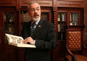 Табачник рассказал о сокращениях в своем министерстве