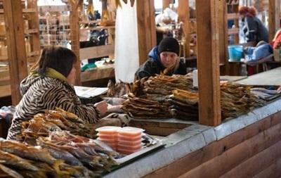 Отравление воЛьвове: продавщицу рыбы взяли под домашний арест