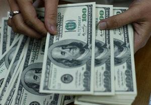 Супружеская чета под чехлами авто пытались провезти в Россию сотни тысяч долларов