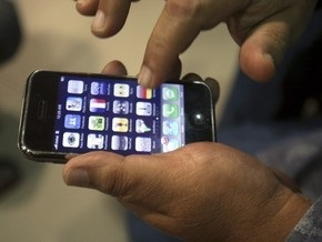 Сбой iPhone в Британии: телефону слышится  секс