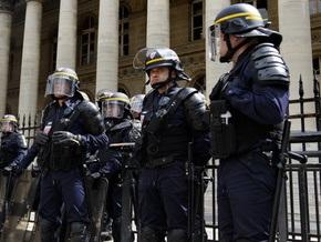 Во Франции из-за смерти юноши в полицейском участке возникли массовые беспорядки